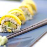 Sushi vegetariano con mango e avocado 10