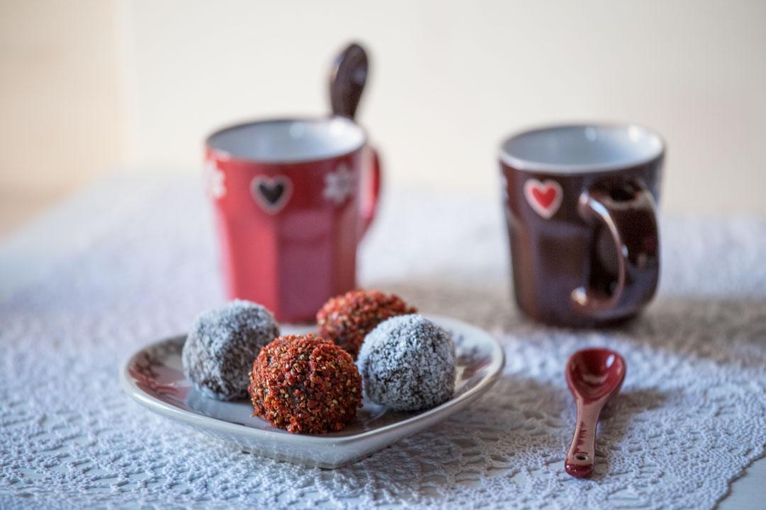 Tartufini piccanti al cioccolato e anice