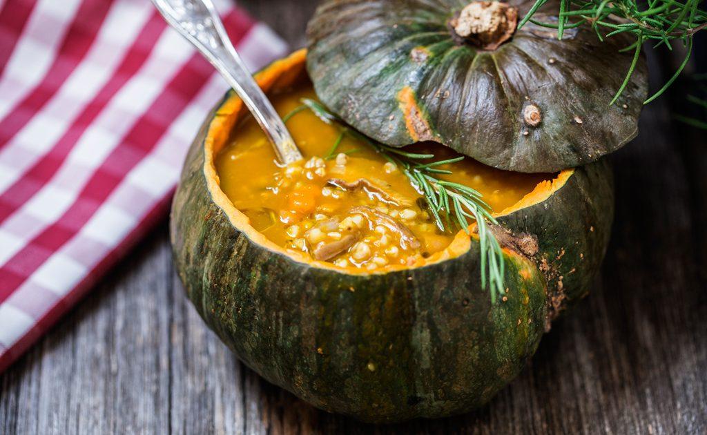 zuppa di zucca e funghi vegana