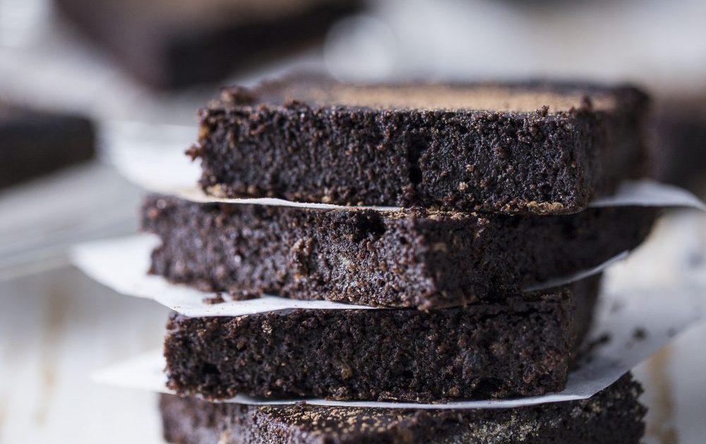 brownies vegan al caffè e cardamomo