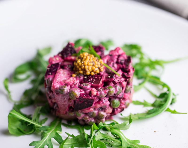 la vinjegret salat: la vera insalata russa in versione vegan