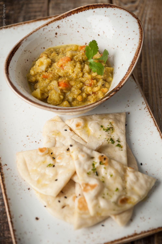Ecco un curry indiano di lenticchie, il dhal!